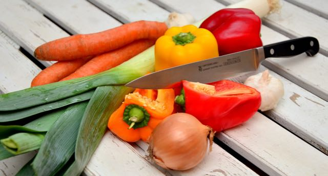 bell-peppers-carrots-cooking meals for one